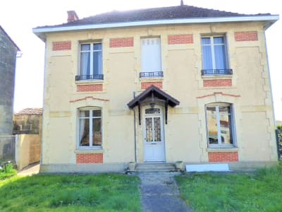 Demeure 243 m² 5 chambres- ST MEDARD DE GUIZIERES  33230