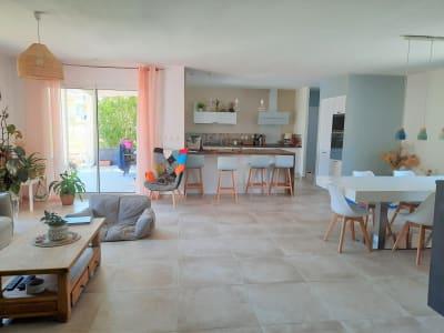 Maison de 180 m² sur 2600 m² de terrain.