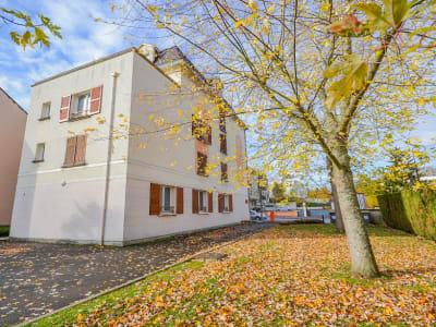 Appartement Les Clayes Sous Bois 2 pièce(s) 34.27 m2
