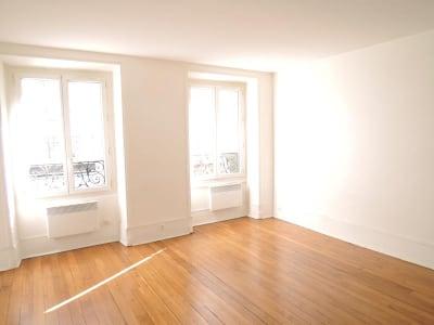 Paris - 1 pièce(s) - 32 m2 - 1er étage