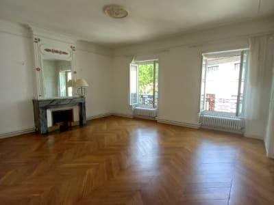EXCLUSIVITE - Appartement en Duplex hyper centre de Vienne  7 pi