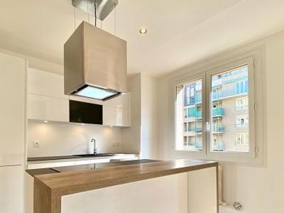 Appartement type T4 de 68 m2 entièrement rénové centre Aix les B