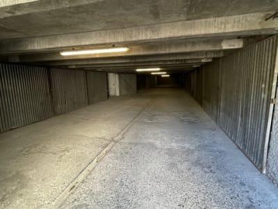 box fermé 12m2 secteur Roseraie/Amouroux