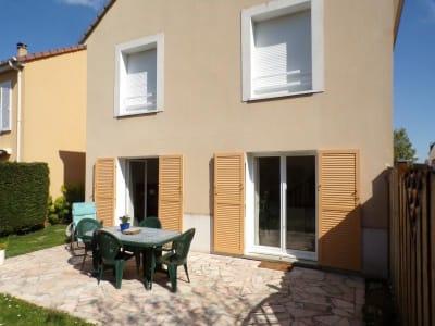 Voisins-le-bretonneux - 5 pièce(s) - 127 m2