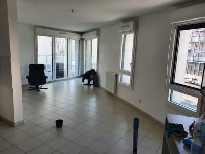 Appartement T3 balcon et parking