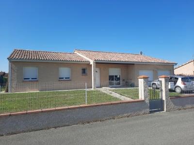 Maison Type 5, 120 m², garage double, sur 1500 m² de terrain clo