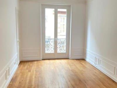 Appartement rénové Paris - 3 pièce(s) - 65.6 m2