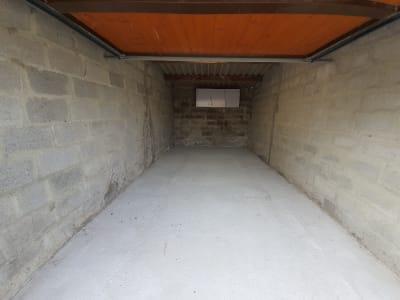 Garage libre d'occupation