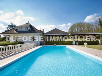 Bourgoin-jallieu - 10 pièce(s) - 376 m2