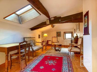 Lucenay : Maison de village en pierre de 60 m² environ sur trois
