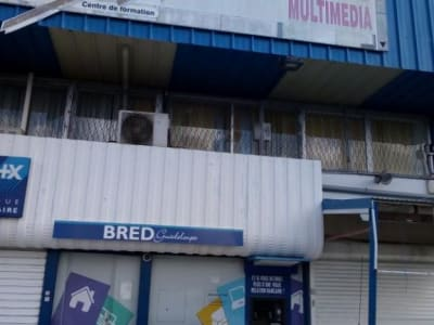 LOCAL COMMERCIAL 50M2 - LES ABYMES