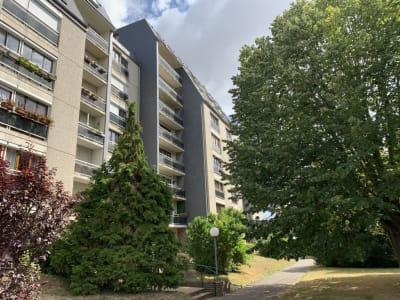 Caen centre, grand F1 de 25 m2 avec parking