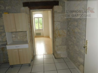 Auch - 1 pièce(s) - 36.04 m2