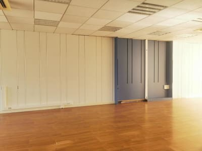 LOCAL PROFESSIONNEL LABRUGUIERE - 130 m2