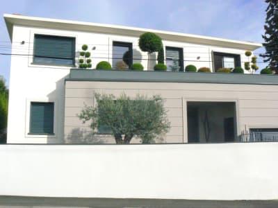 Chassieu - 5 pièce(s) - 220.00 m2