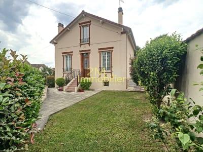 Belle maison de 5 pièces  à Melun - 110 m²  - Jardin clos - Proc