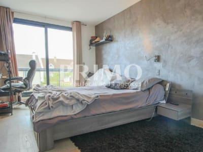 Maison d'Architecte - 8 pièces - 252 m² sur 550 m² de jardin