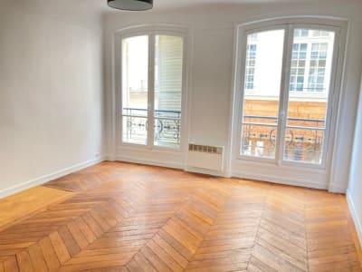 Appartement rénové Paris - 3 pièce(s) - 69.08 m2