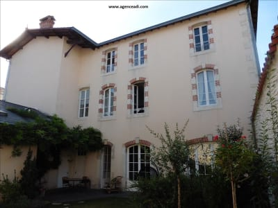 HOTEL PARTICULIER ST MAIXENT L ECOLE - 14 pièce(s) - 360 m2