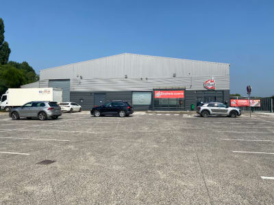 Local commercial  1162 m2