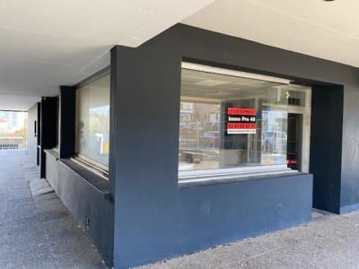 LOCAUX PROFESSIONNELS CHOLET - 65 m2