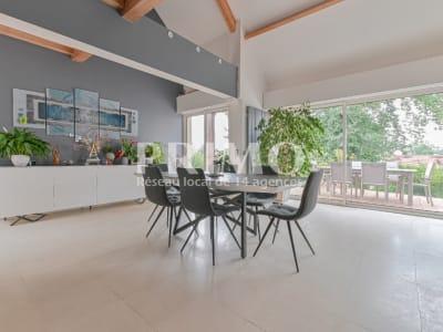 Maison Verrieres Le Buisson 7 pièce(s) 200 m2
