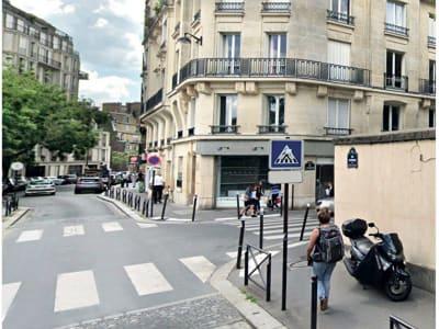 Box et réserve Paris 16