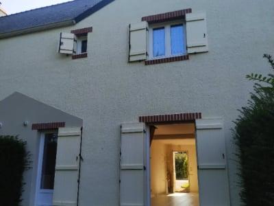 Maison  4 pièce(s) 85 m2 avec Garage et grande terrasse privativ