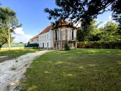 Maison bourgeoise La  Ferte Sous Jouarre 8 pièce(s) 215 m2