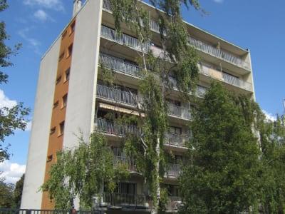 Appartement 3 pièces 69 m ². Immeuble récent. 6ème étage. balcon