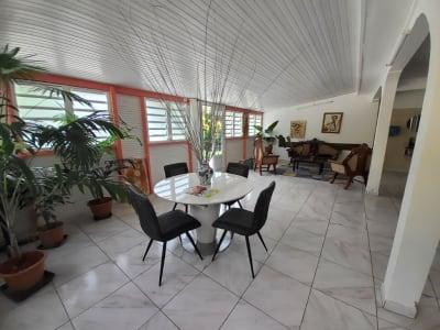 Maison Le Lamentin 7 pièce(s) 337 m2