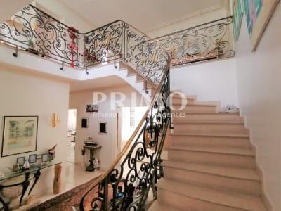 Maison Verrieres Le Buisson 8 pièce(s) 240 m2