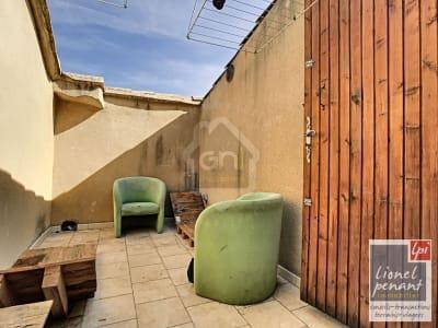 CARPENTRAS Maison de village rénovée T4 78m² avec terrasse 9m²