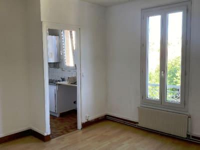 Appartement 2 pièces de 35 m² proche gare RER D