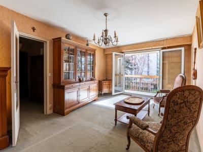Appartement familiale de 4 chambres + Balcon + Gd BOX