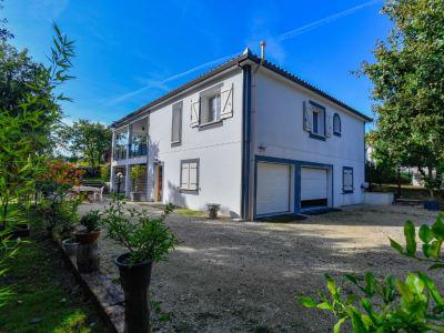 Cahors - Maison  6 pièce(s) de 270 m² sur terrain de 1253 m²