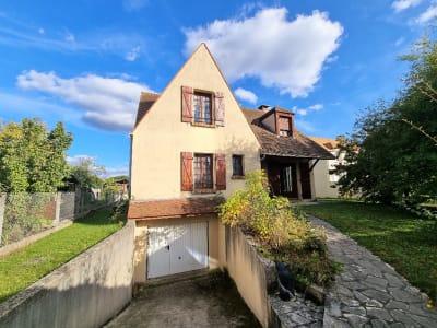 A VENDRE / Maison Individuelle 8 pièces de 140m² / Terrain de 74