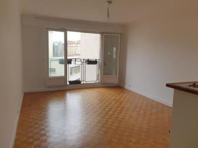 Appartement rénové Paris - 3 pièce(s) - 61.95 m2