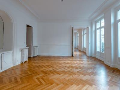 75008 Paris - rue de Ponthieu