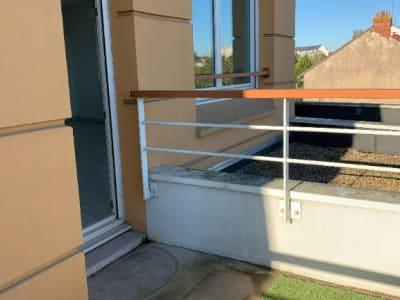 Appartement 2 pièces dernier étage balcon et parking à Nantes