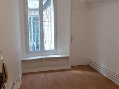 Appartement rénové Paris - 1 pièce(s) - 14.72 m2