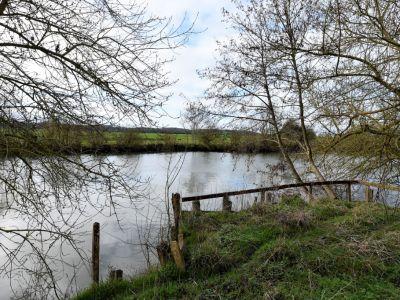 10 MIN MONTOIRE SUR LE LOIR Terrain bord de Loir