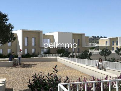 APPARTEMENT stationnement et jardin 210m²