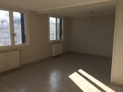 Nimes - 4 pièce(s) - 75.12 m2 - 4ème étage