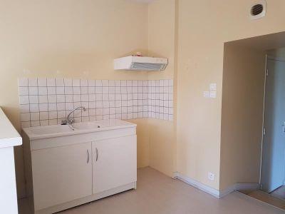 Menigoute - 3 pièce(s) - 57 m2 - 1er étage