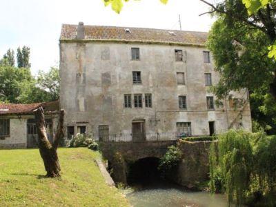 La Ferte Gaucher - 8 pièce(s) - 1300 m2