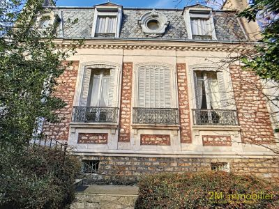 A VENDRE MAISON BOURGEOISE A MELUN
