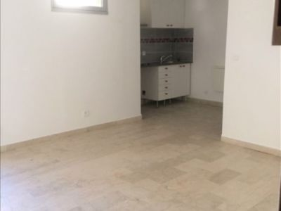 Carnoux En Provence - 1 pièce(s) - 24.9 m2 - 1er étage