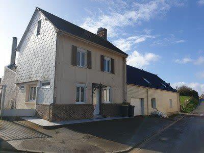 Ensemble immobilier situé entre Sénarpont et Hornoy le Bourg