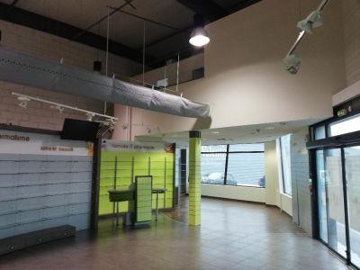 A VENDRE  Local commercial Concarneau 290 m²